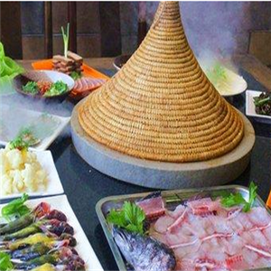 鱼上鲜蒸汽石锅鱼加盟