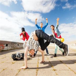 嘻哈帮街舞加盟图片
