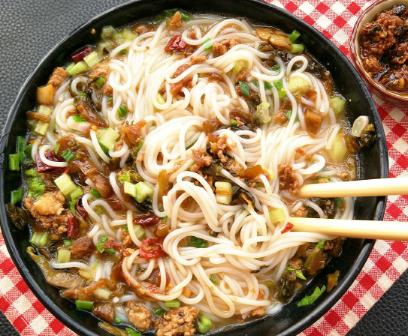 香河肉饼砂锅米线