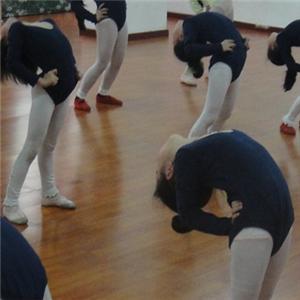 爱尚舞蹈加盟图片