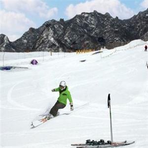 莲花山滑雪场