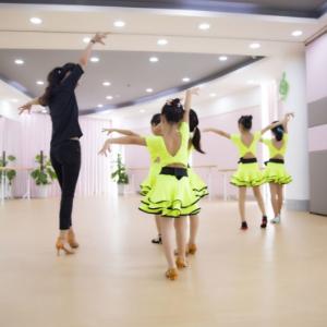 艺尚舞蹈加盟图片