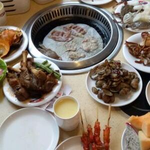 汉丽轩海鲜火锅烤肉自助加盟