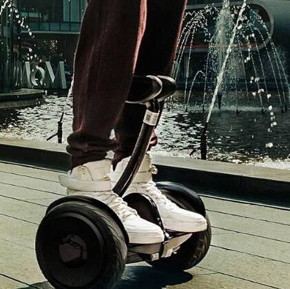 賽博特平衡車