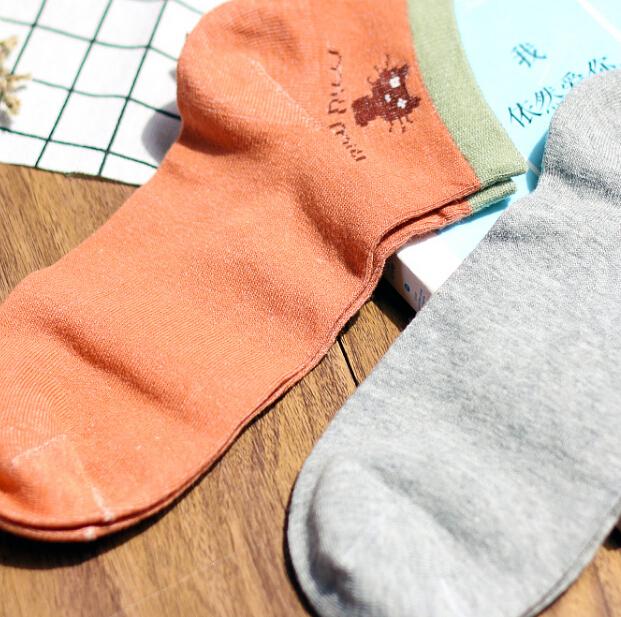 tutuanna袜子加盟图片