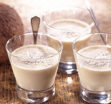 艾小米椰子牛奶
