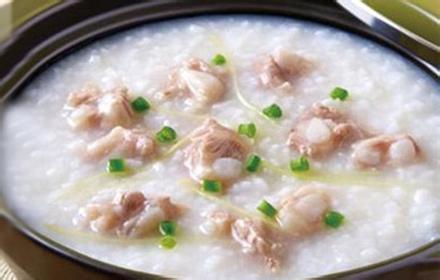 如轩砂锅粥,是业内知名品牌