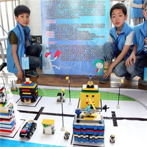 小创客机器人教育诚邀加盟