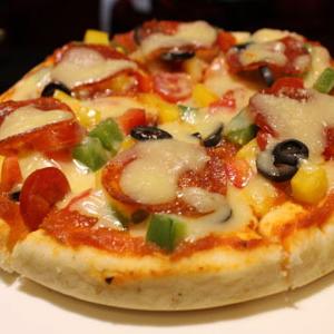 新出炉披萨店加盟