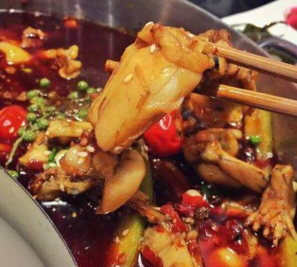 重庆牛蛙火锅