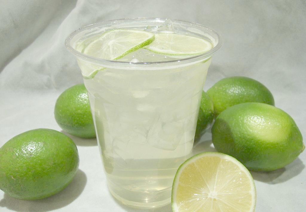 追客饮品采用鲜果制作饮品