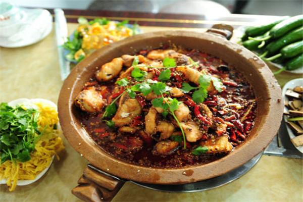新石器食代蒸汽石锅鱼在市场中,保持着较高的热度