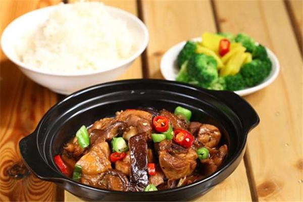 瓦香鸡米饭展示