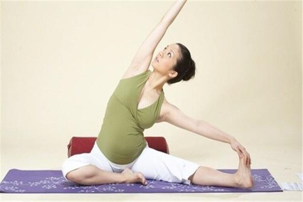 骄阳兰多产后恢复——产妇瑜伽展示