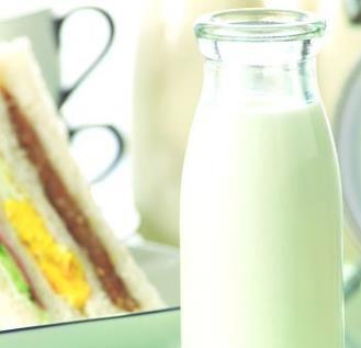 巴氏鲜牛奶