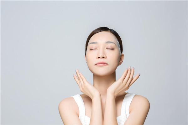 面膜根据功能不同,可分为多种产品