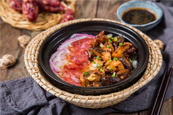 杨阿明煲仔饭食材品质新鲜