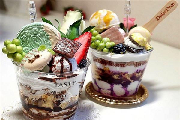 畅销冰淇淋展示