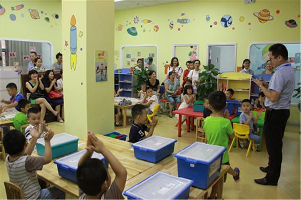 智涛机器人教育课堂展示