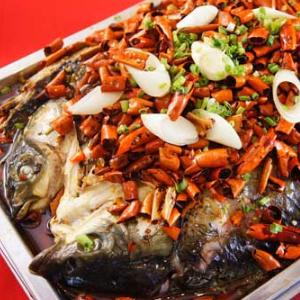烤魚魚火鍋店