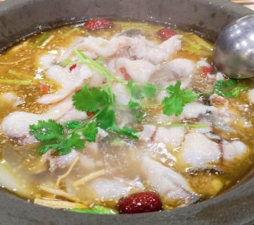 百汕石锅鱼