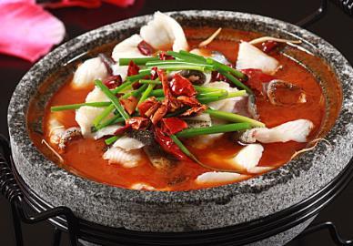 十三太煲石锅鱼