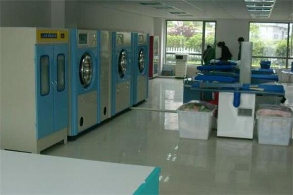 立美洗衣加盟