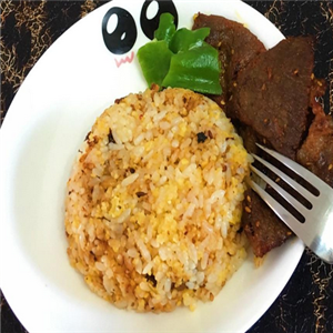 饞饞貓烤肉拌飯