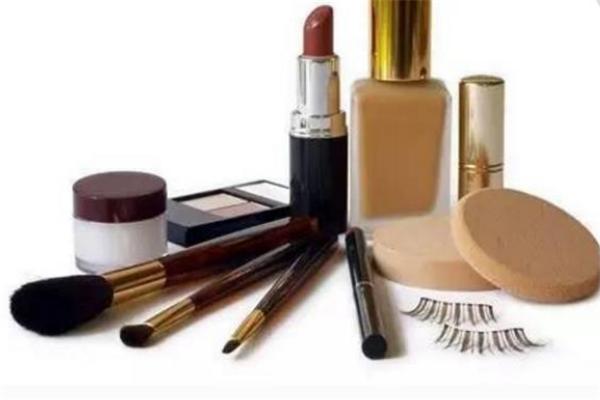 泉荟化妆品加盟