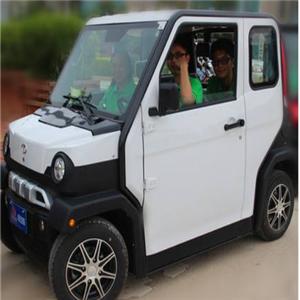 大陽能四輪電動車