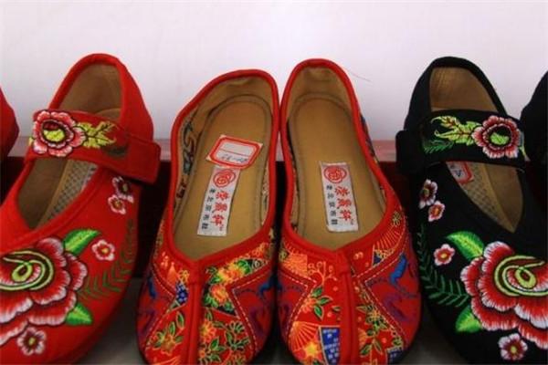 北京布鞋款式