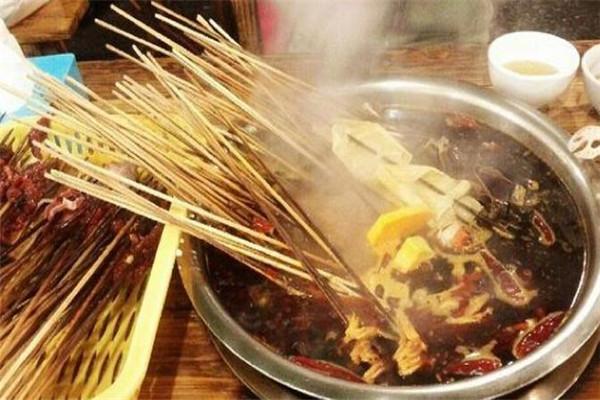 巴山味庄砂锅串串香加盟