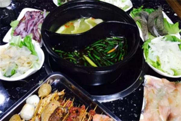巴山味庄砂锅串串香套餐