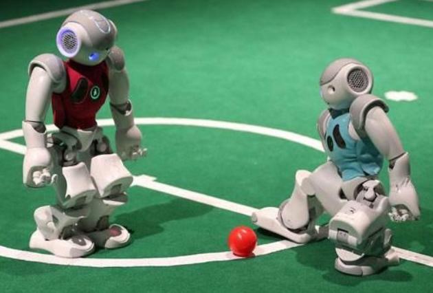 不同类型的机器人足球队,例如轮式机器人,足式机器人与人形机器人,可以在国际赛事中彼此竞争,并且在电脑上进行模拟.