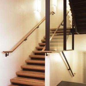 安踏樓梯加盟