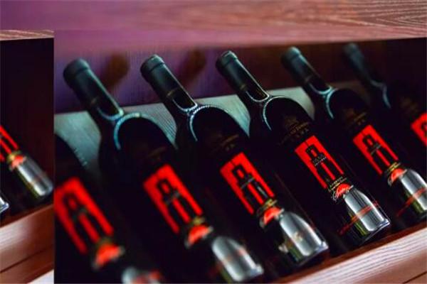 君頂天悅紅酒加盟