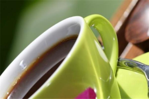 巷三里奶茶加盟