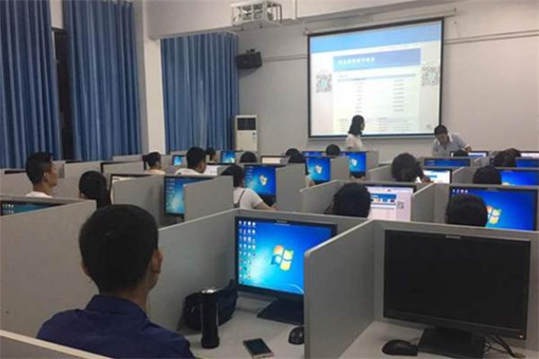 博學國際教育培訓中心加盟