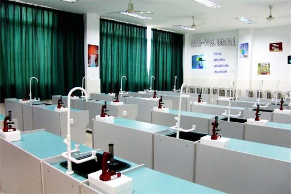 科學實驗室加盟
