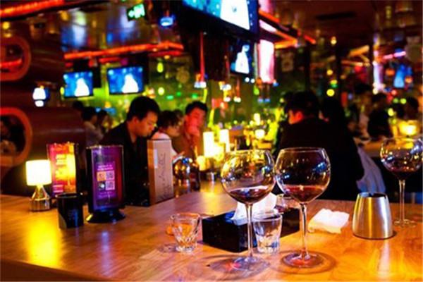 后街酒吧加盟