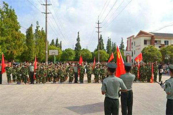 中國青少年軍事將帥夏令營加盟