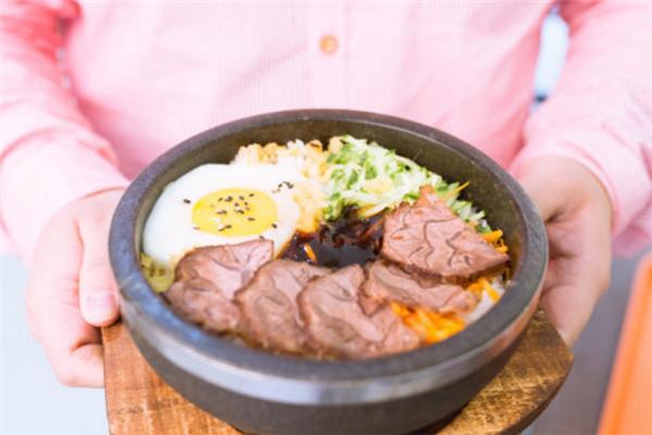 美味石锅拌饭加盟