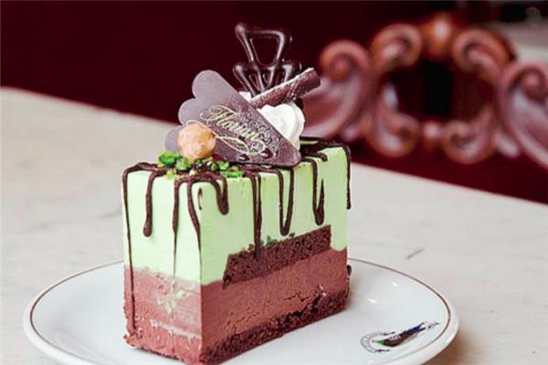 玫瑰慕斯蛋糕加盟