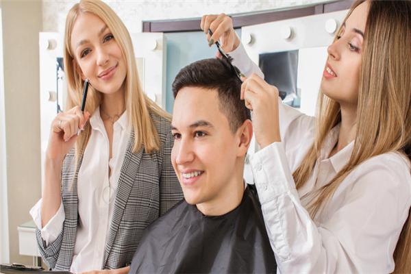 美艺国际美容培训加盟