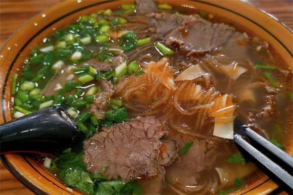 张蜀龙牛肉粉丝汤加盟