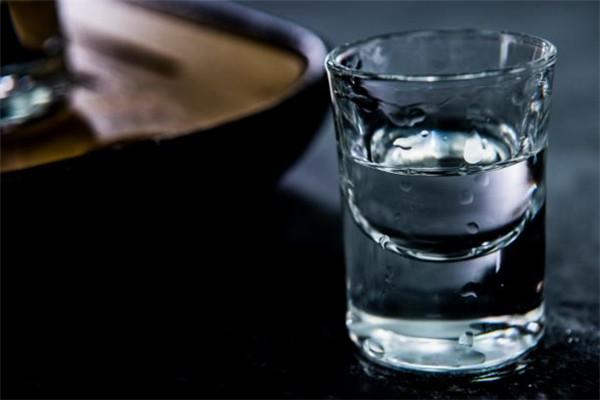 吴公岩酒业加盟