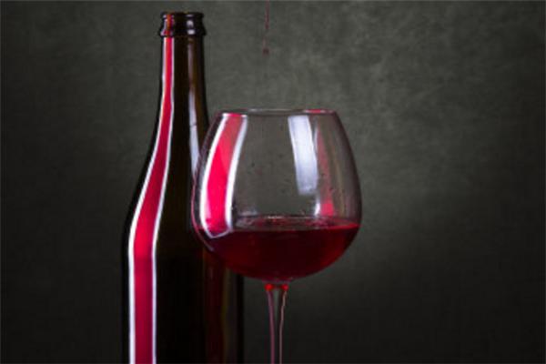 酒紅堡純釀紅酒加盟