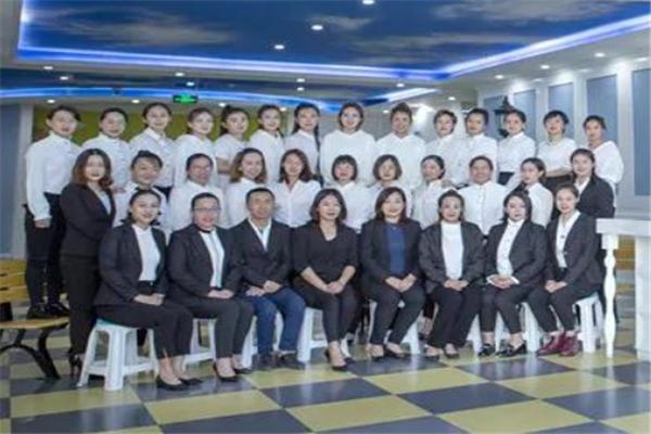 快樂國際語言中心加盟